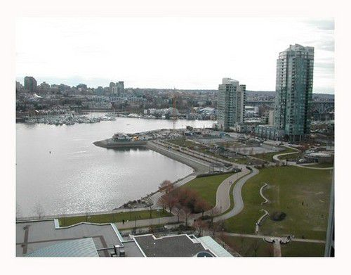 Main Photo: 19A 139 DRAKE Street in Vancouver West: Home for sale : MLS®# V698296