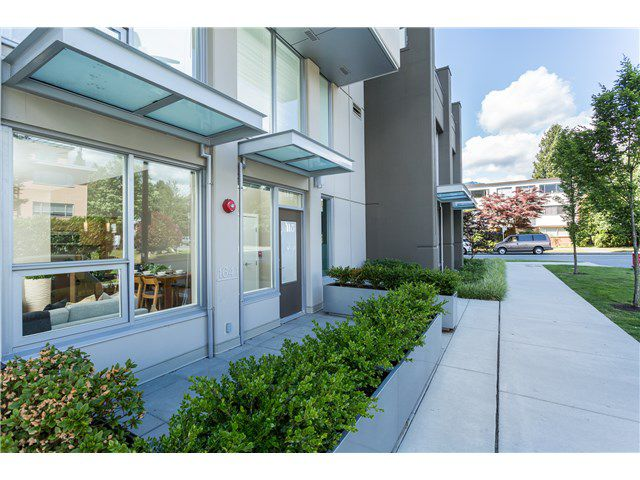 Main Photo: 1641 EASTERN AV in North Vancouver: Central Lonsdale Condo for sale : MLS®# V1131794