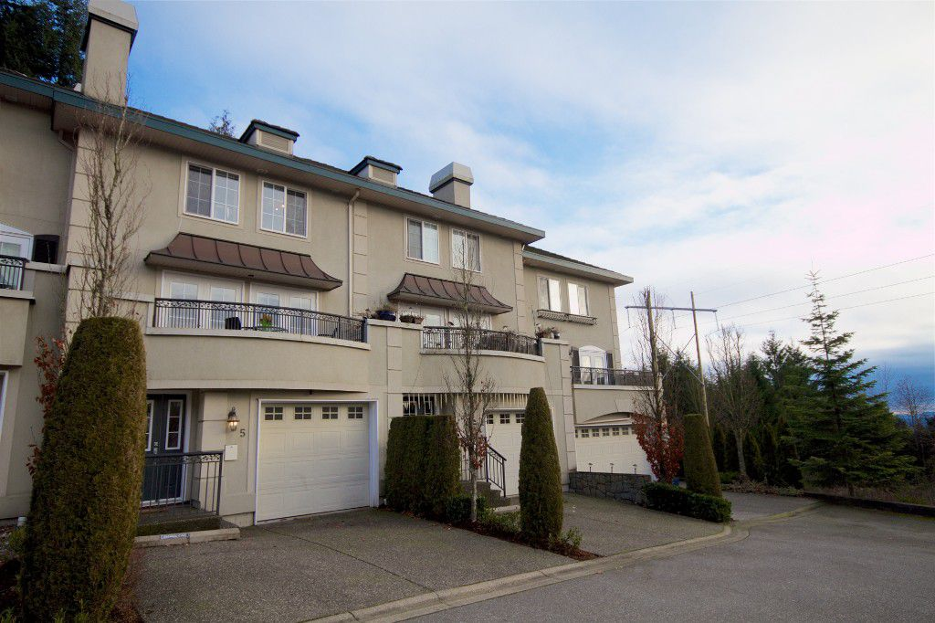 Main Photo: 5 1651 Parkway Boulevard in Coquitlam: Westwood Plateau Townhouse for sale : MLS®# R2028946