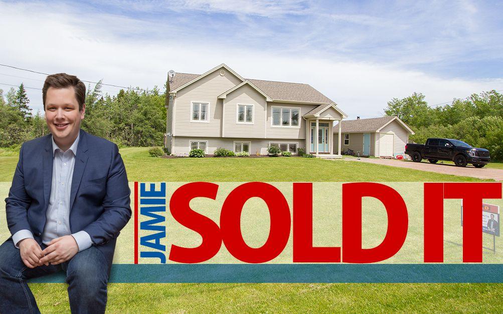 Main Photo: 3 Ridgewood Drive: Sackville House for sale
