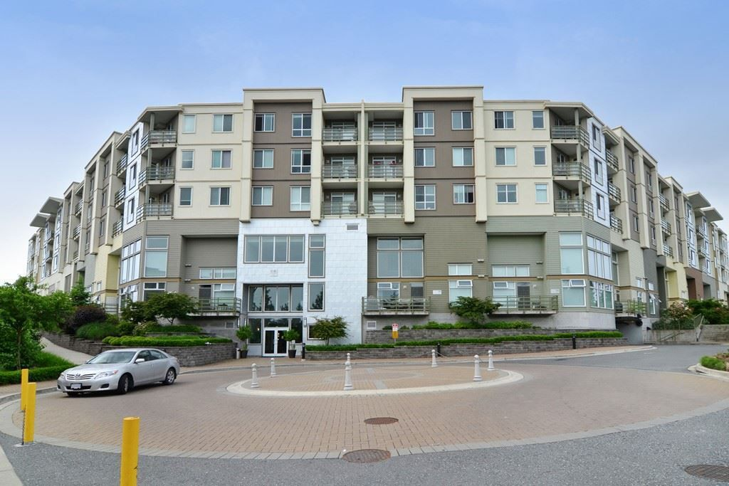 Main Photo: 320 15850 26 AVENUE in Surrey: Grandview Surrey Condo for sale (South Surrey White Rock)  : MLS®# R2289480