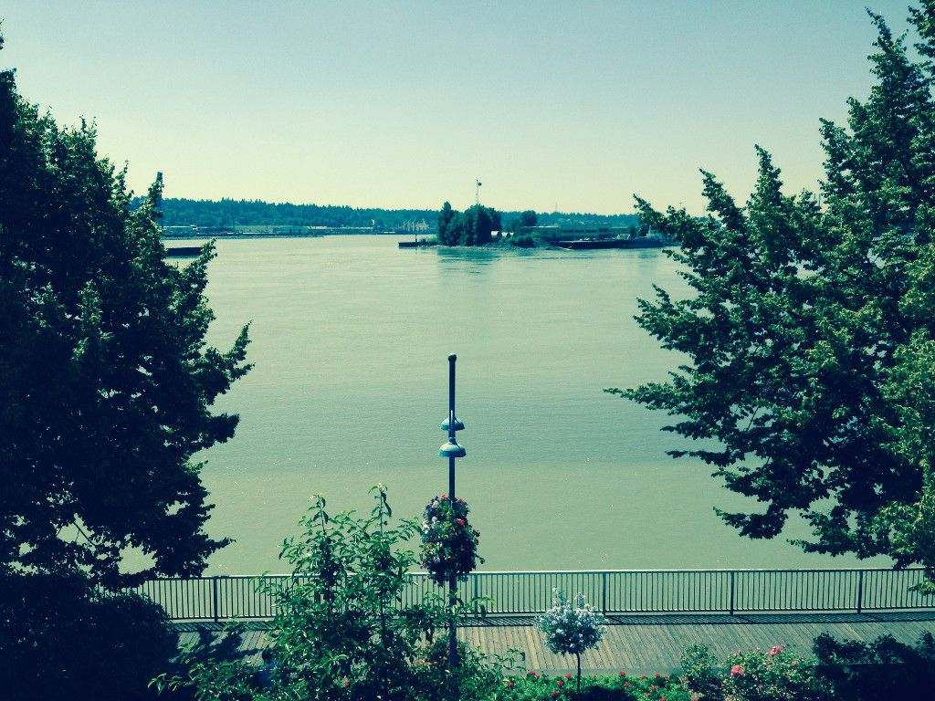Main Photo: #306 31 Reliance CT in New Westminster: Quay Condo for sale : MLS®# V1079767