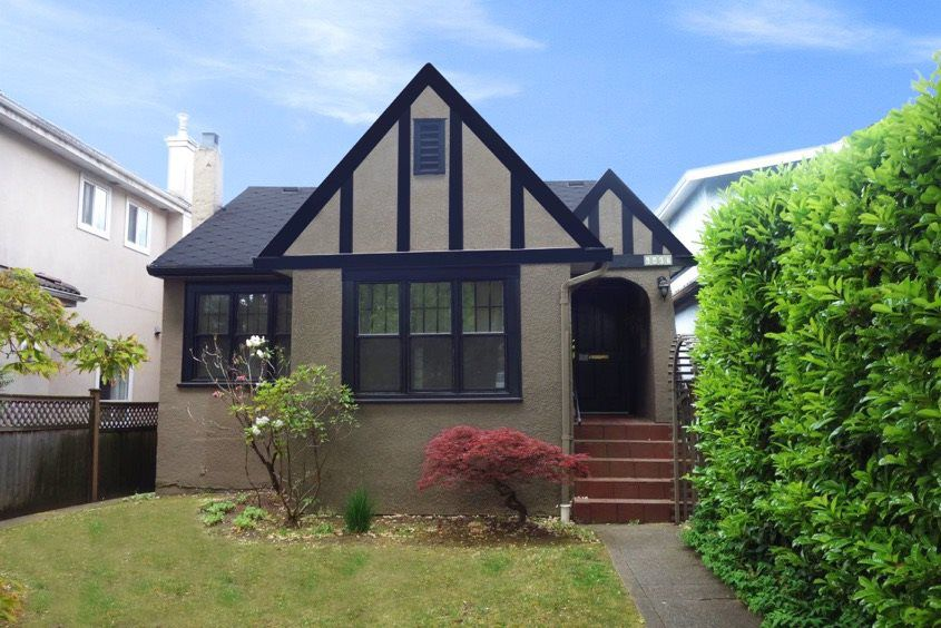 Main Photo: 6407 YEW STREET in Vancouver: Kerrisdale House for sale (Vancouver West)  : MLS®# R2074433