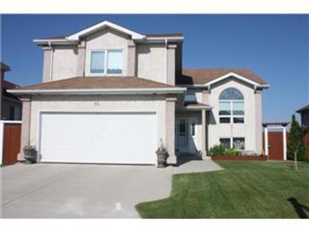Main Photo: 84 FOXWARREN Drive: Residential for sale (Foxwarren Lakes)  : MLS®# 1106809