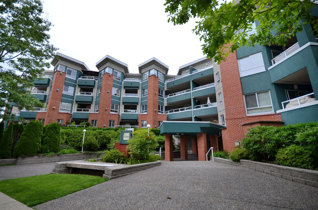 """Main Photo: 316 128 W 8TH Street in North Vancouver: Central Lonsdale Condo for sale in """"THE LIBRARY"""" : MLS®# V958472"""