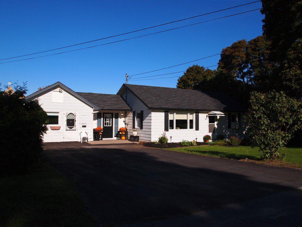 Main Photo: 492 York Street in Beaverton: Durham Freehold for sale (Brock)