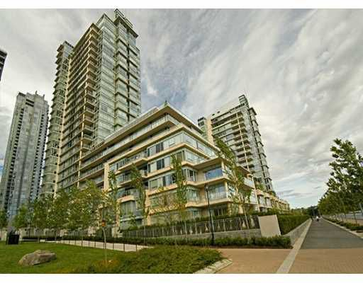 """Main Photo: 428 BEACH Crescent in Vancouver: False Creek North Condo for sale in """"KINGS LANDING"""" (Vancouver West)  : MLS®# V626269"""