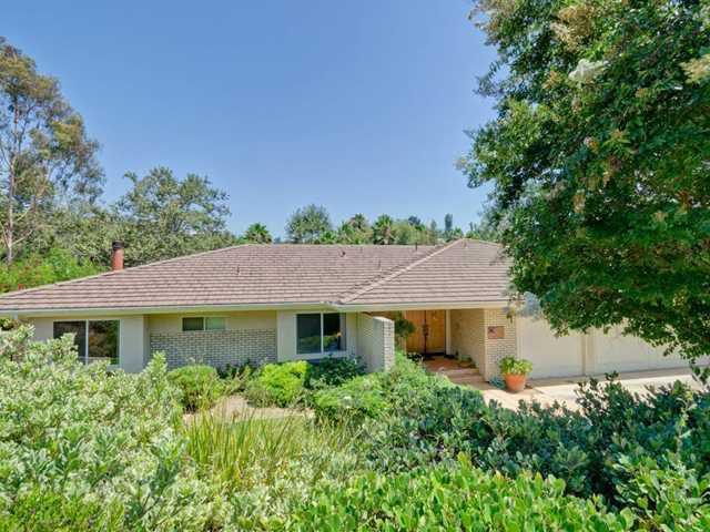 Main Photo: SOUTH ESCONDIDO House for sale : 3 bedrooms : 769 Mockingbird Circle in Escondido