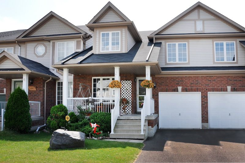 Main Photo: : Freehold for sale : MLS®# N2684426