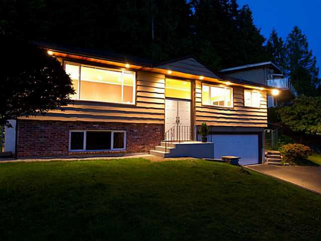 Main Photo: 658 Alpine Ct in North Vancouver: Canyon Heights NV House for sale : MLS®# V1044054