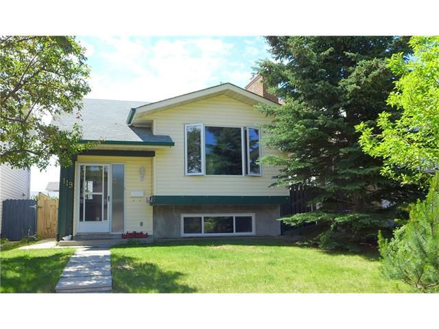 Main Photo: 119 SILVERSTONE RD NW in Calgary: Silver Springs House for sale : MLS®# C4070701
