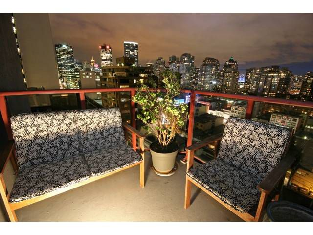 "Main Photo: 1407 811 HELMCKEN Street in Vancouver: Downtown VW Condo for sale in ""IMPERIAL TOWER"" (Vancouver West)  : MLS®# V990831"
