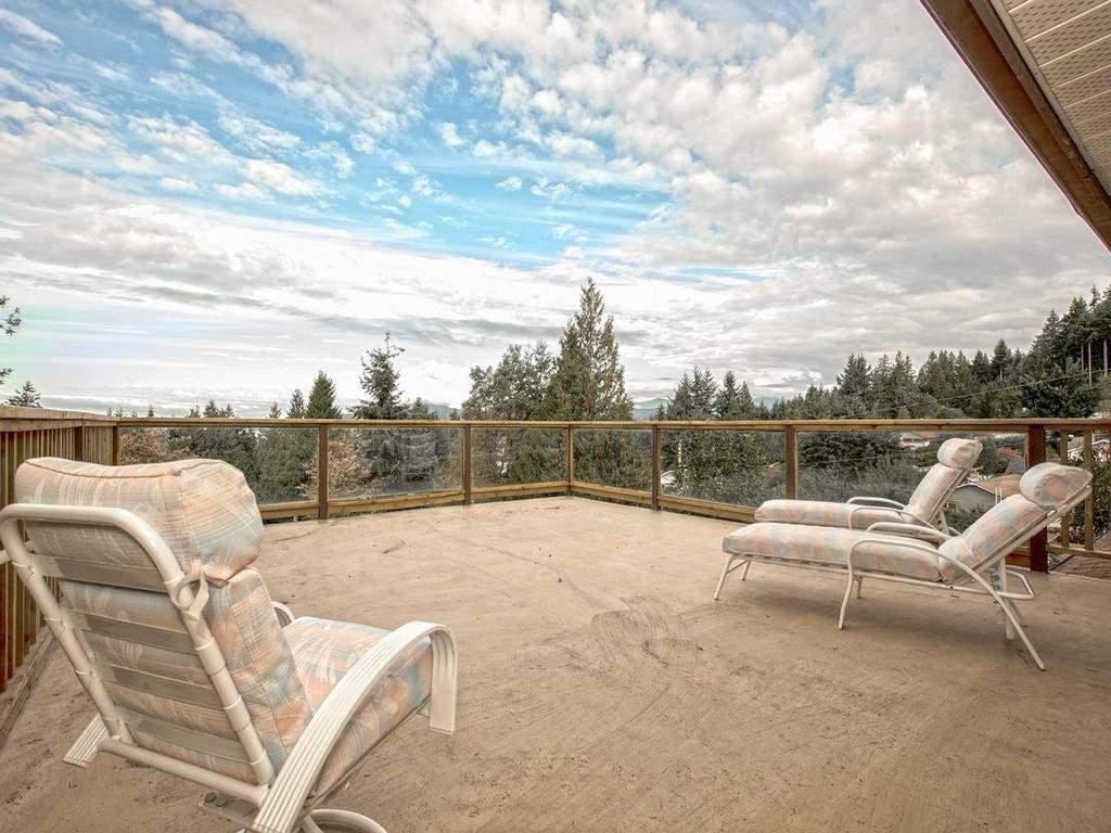 Main Photo: 5287 SNODGRASS ROAD in Sechelt: Sechelt District House for sale (Sunshine Coast)  : MLS®# R2013853