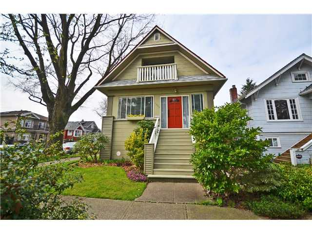 "Main Photo: 3849 CLARK Drive in Vancouver: Knight House for sale in ""Glen Park"" (Vancouver East)  : MLS®# V998302"