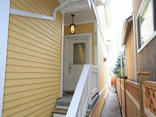Main Photo: 618 PRIOR Street in Vancouver: Mount Pleasant VE House 1/2 Duplex for sale (Vancouver East)  : MLS®# V1008088