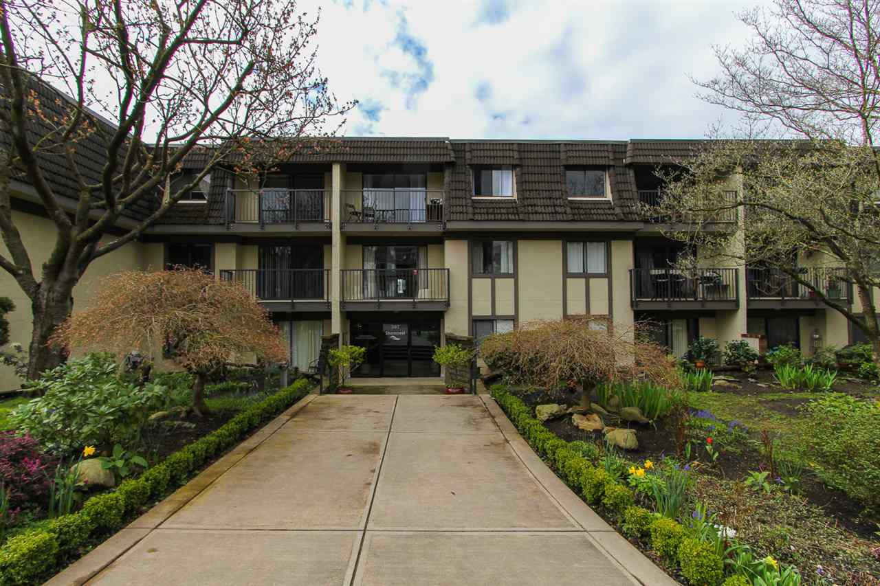 Main Photo: 308 307 W 2ND STREET in North Vancouver: Lower Lonsdale Condo for sale : MLS®# R2050558