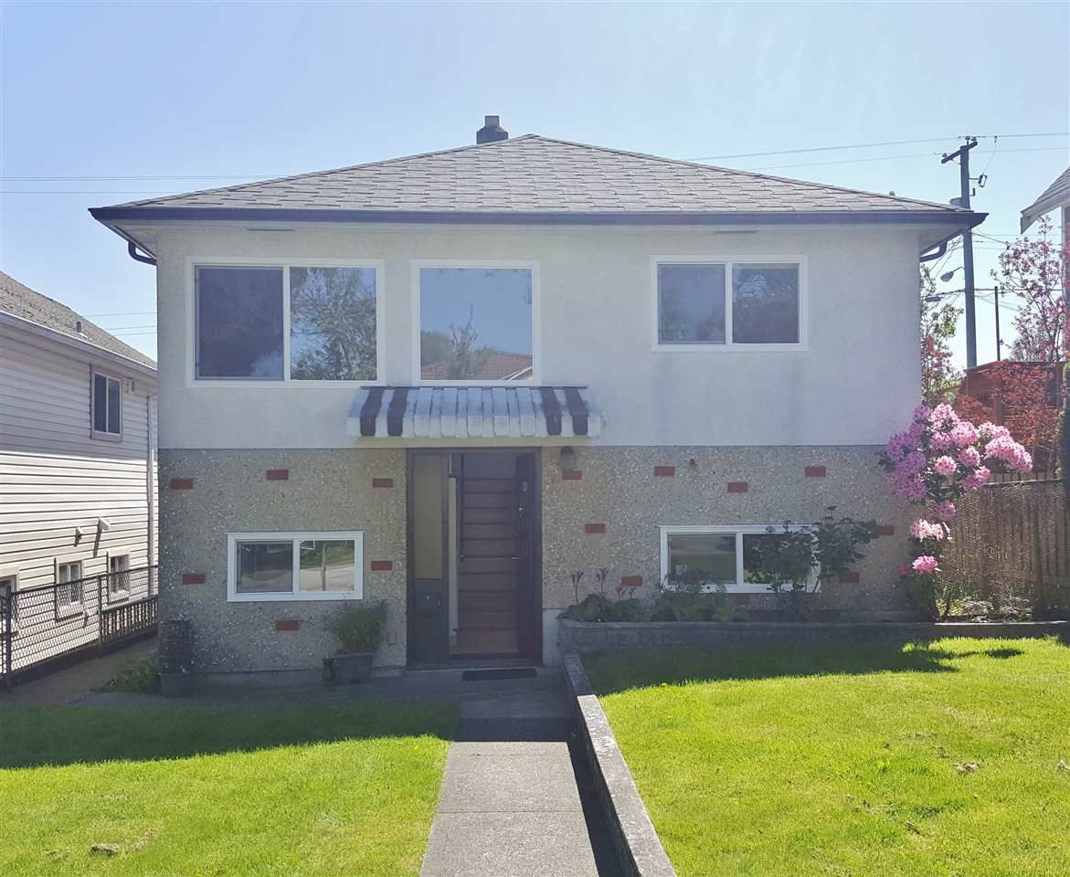 Main Photo: 2942 E GEORGIA STREET in Vancouver: Renfrew VE House for sale (Vancouver East)  : MLS®# R2263957