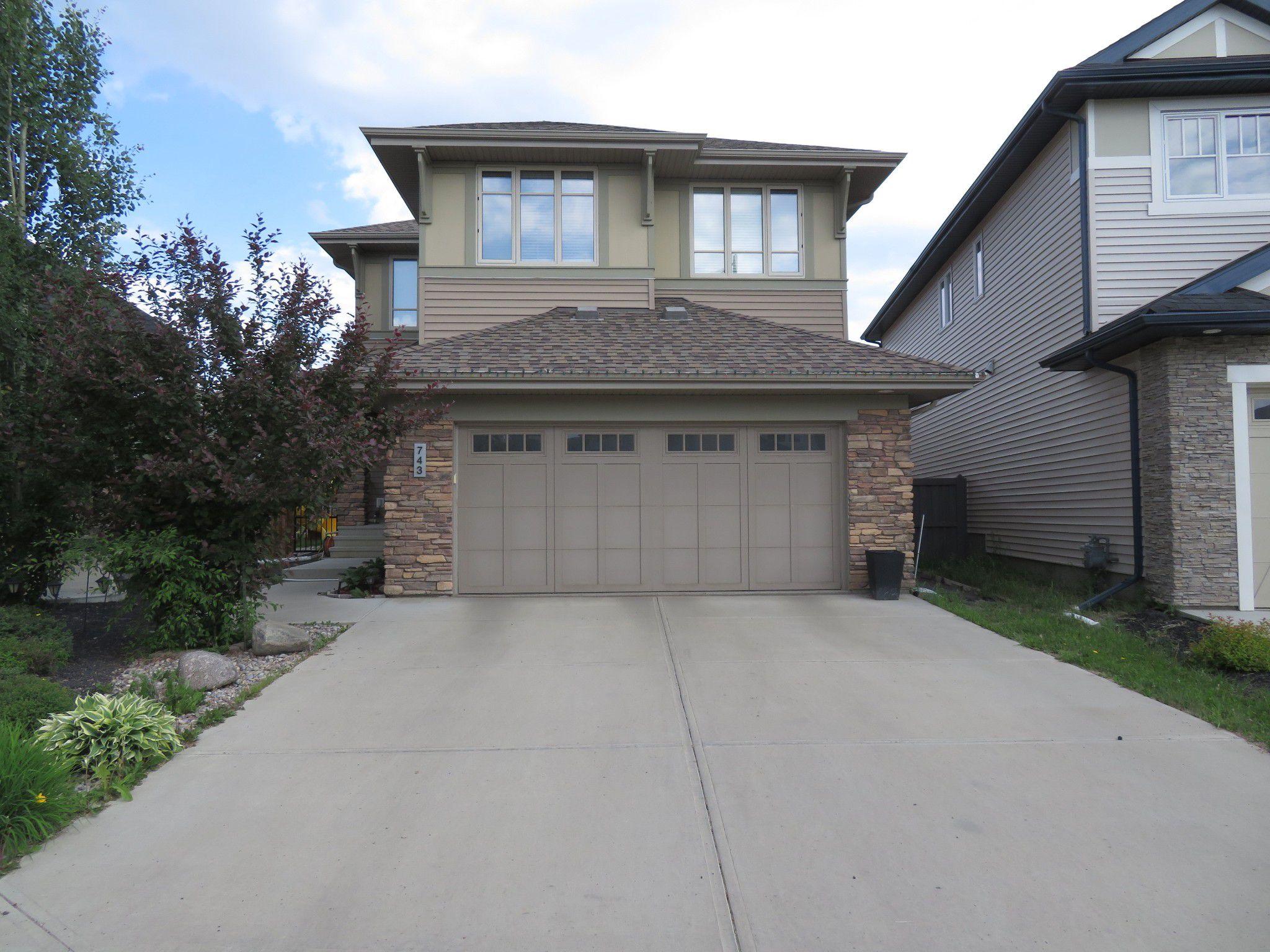 Main Photo: 743 Adams Way SW in EDMONTON: House for sale : MLS®# E4115485