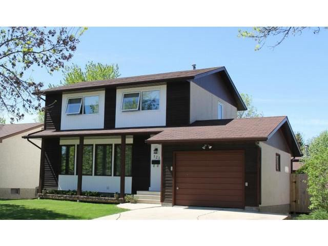 Main Photo: 121 Whitley Drive in WINNIPEG: St Vital Residential for sale (South East Winnipeg)  : MLS®# 1311297