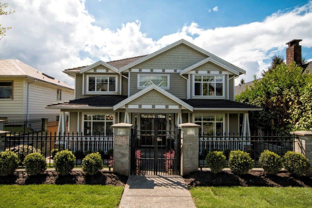 Photo 1: Photos:  in : Queensbury House for sale (North Vancouver)  : MLS®# v1065885