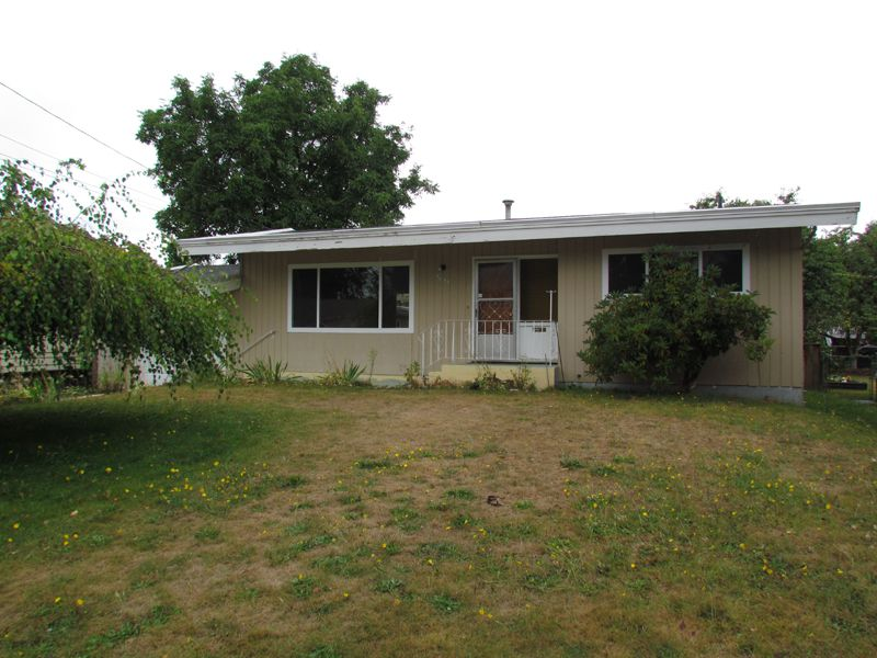 Main Photo: 2681 Victoria Street in Abbotsford: Clearbrook House for rent