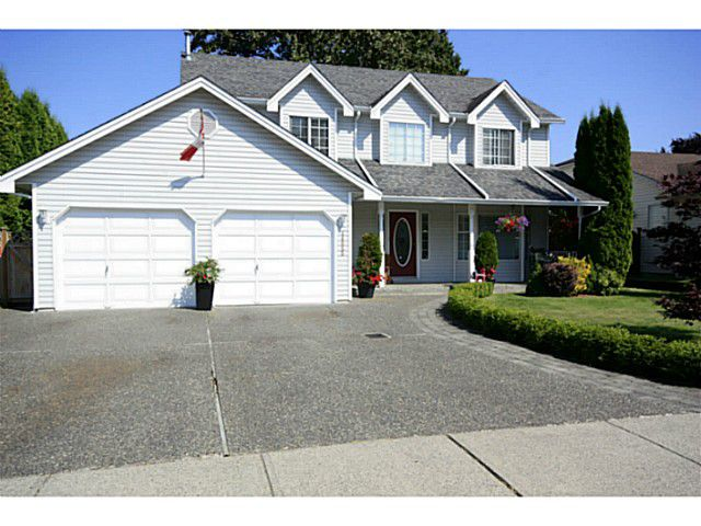 """Main Photo: 44655 CUMBERLAND Avenue in Sardis: Vedder S Watson-Promontory House for sale in """"SARDIS"""" : MLS®# H1303465"""