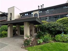 Main Photo: 101 141 W 13TH STREET in North Vancouver: Central Lonsdale Condo for sale : MLS®# R2045697