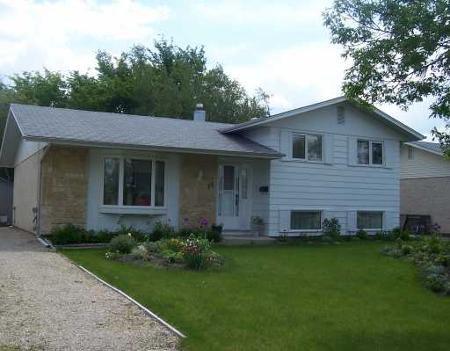 Main Photo: 11 MANREN CR.: Residential for sale (Maples)  : MLS®# 2910949