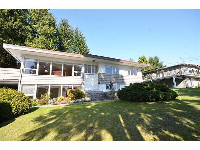 Main Photo: 480 GREENWAY AV in North Vancouver: Upper Delbrook House for sale : MLS®# V1003304