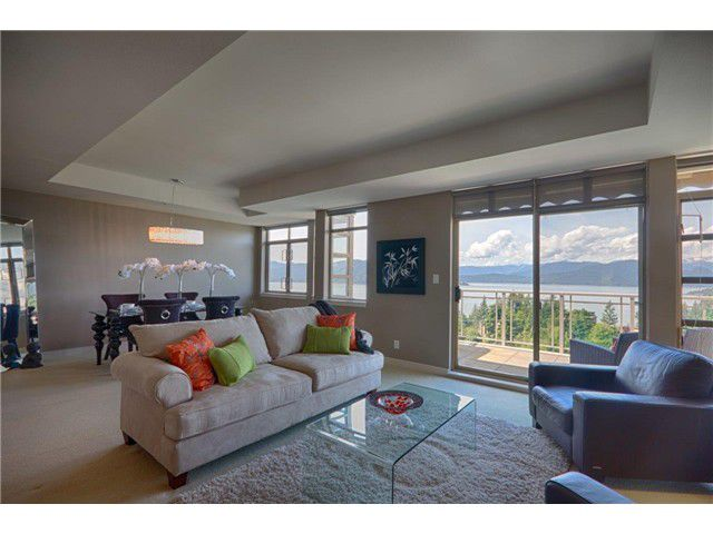 "Main Photo: 8543 SEASCAPE CT in West Vancouver: Howe Sound Townhouse for sale in ""SEASCAPES"" : MLS®# V1011832"