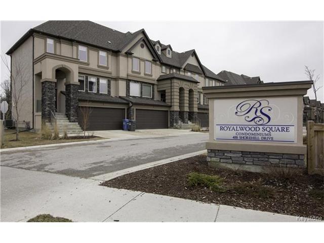 Main Photo: 3 - 455 Shorehill: Condominium for sale (2J)  : MLS®# 1609286