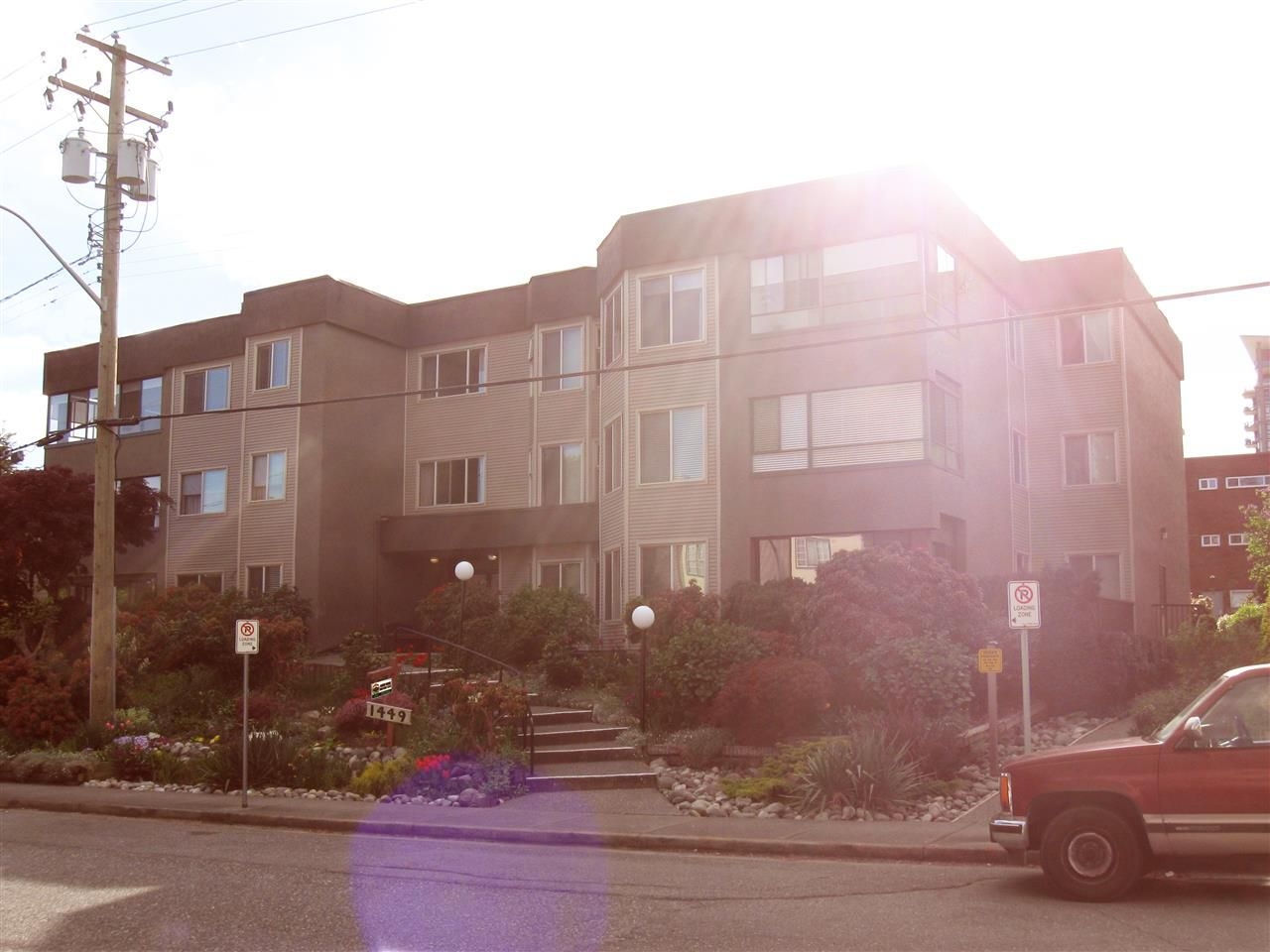 Main Photo: 104 1449 MERKLIN STREET: White Rock Condo for sale (South Surrey White Rock)  : MLS®# R2056946