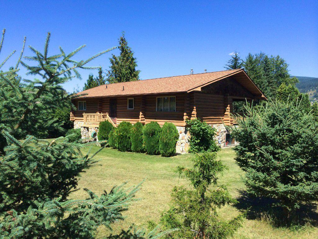 Main Photo: 7347 Old Kamloops Road in Vernon: Swan Lake West House for sale (North Okanagan)  : MLS®# 10085400