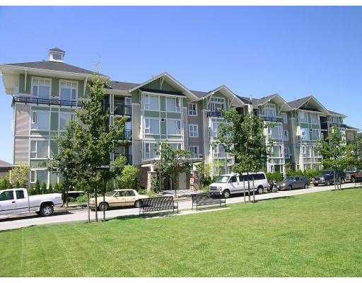 """Main Photo: 7089 MONT ROYAL Square in Vancouver: Champlain Heights Condo for sale in """"MONT ROYAL SQ"""" (Vancouver East)  : MLS®# V626504"""
