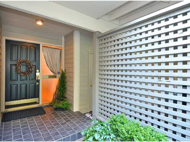 Main Photo: 20 4957 MARINE Drive in West Vancouver: Olde Caulfeild Townhouse for sale : MLS®# V931742