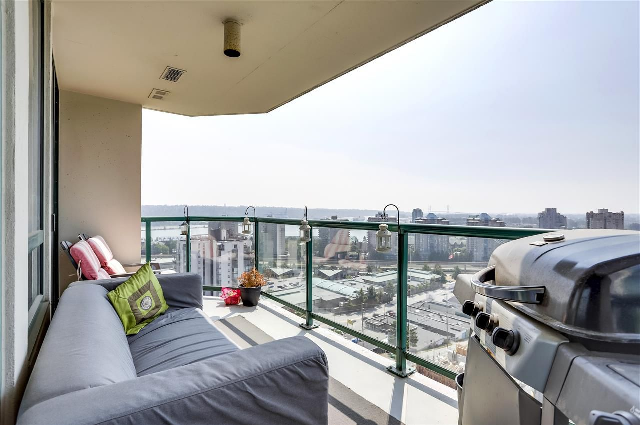 Main Photo: 1204 121 TENTH STREET in New Westminster: Uptown NW Condo for sale : MLS®# R2298920
