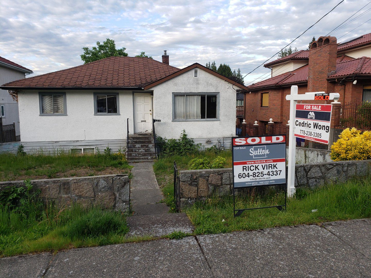 Main Photo: 6250 LEIBLY Avenue in BURNABY: Upper Deer Lake House for sale (Burnaby South)  : MLS®# R2278774