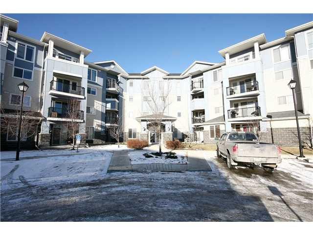 Main Photo: 104 108 COUNTRY VILLAGE Circle NE in CALGARY: Country Hills Village Condo for sale (Calgary)  : MLS®# C3551599