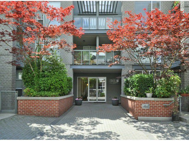 "Main Photo: 101 2288 MARSTRAND Avenue in Vancouver: Kitsilano Condo for sale in ""DUO"" (Vancouver West)  : MLS®# V1013739"