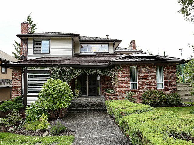 """Main Photo: 2578 TRILLIUM Place in Coquitlam: Summitt View House for sale in """"SUMMIT VIEW"""" : MLS®# V1014463"""