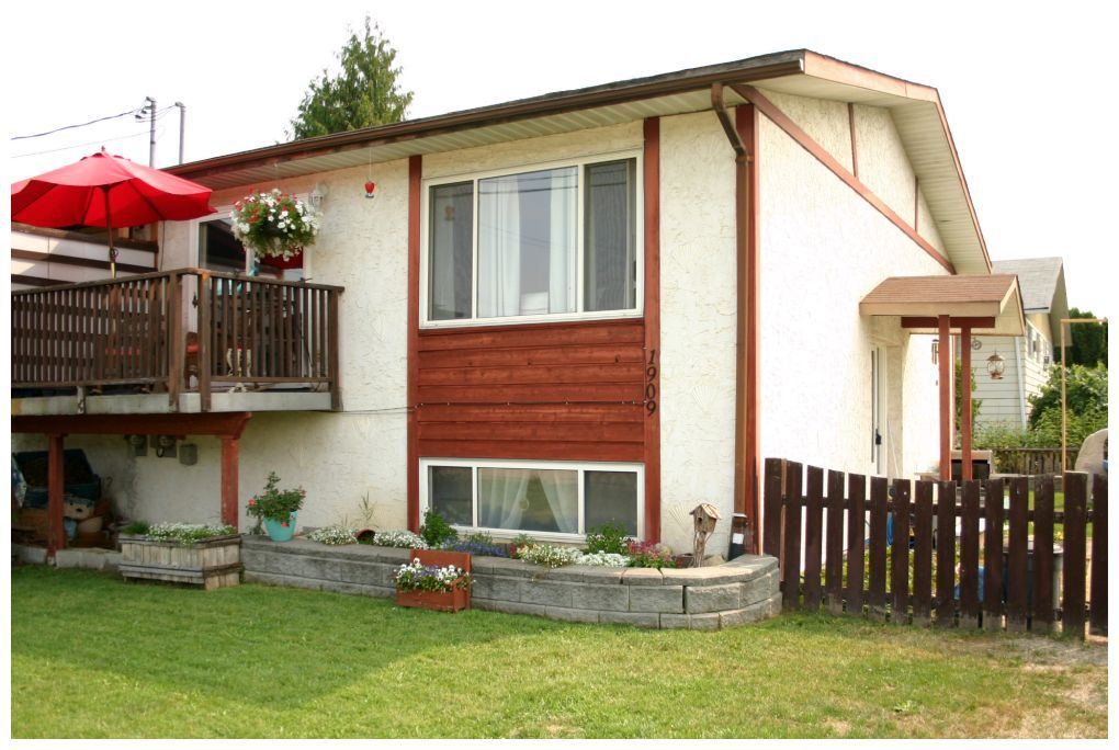 Main Photo: 1909 Kate Street in Enderby: House for sale : MLS®# 10081408