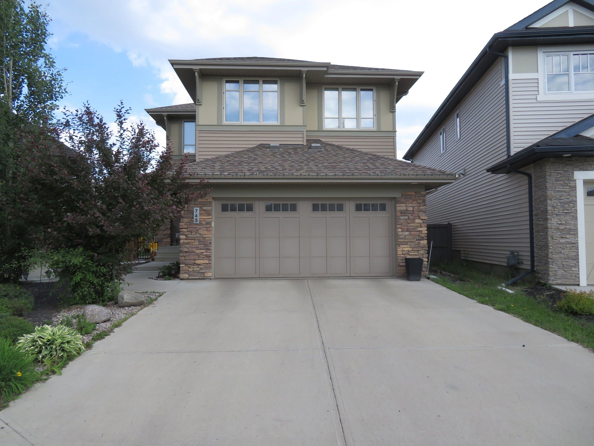 Main Photo: 742 Adams Way: House for sale