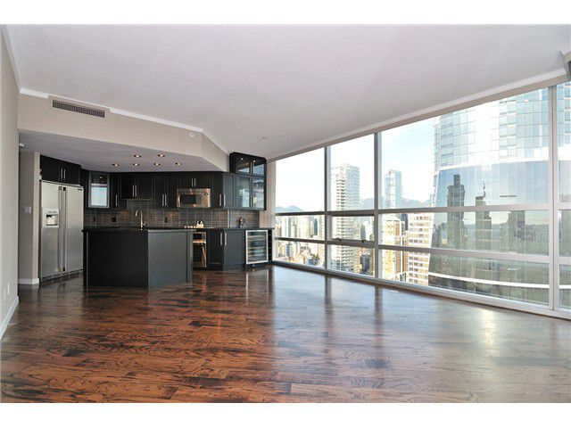 """Main Photo: 2806 1050 BURRARD Street in Vancouver: Downtown VW Condo for sale in """"WALL CENTRE"""" (Vancouver West)  : MLS®# V966215"""