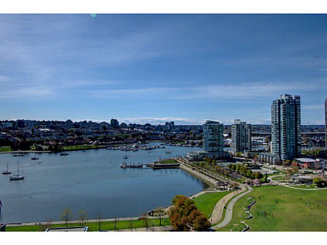 "Main Photo: PH B 139 DRAKE Street in Vancouver: Yaletown Condo for sale in ""CONCORDIA II"" (Vancouver West)  : MLS®# V1075490"
