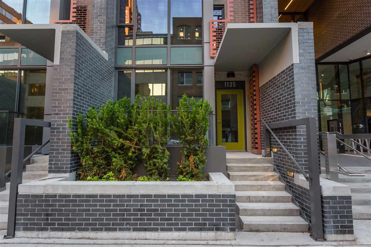 Main Photo: 1135 HORNBY STREET in Vancouver: Downtown VW Townhouse for sale (Vancouver West)  : MLS®# R2276754