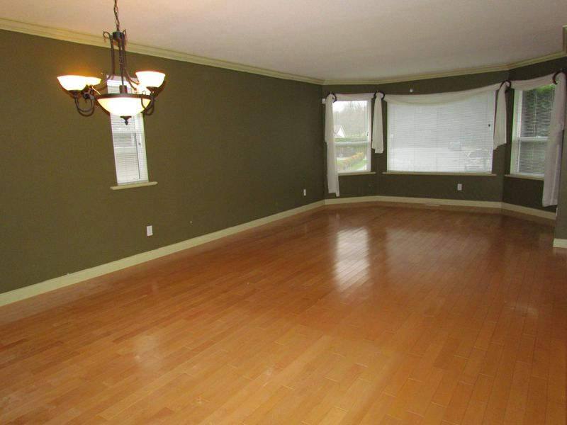 Photo 8: Photos: 30936 Brookdale Crt. in Abbotsford: Abbotsford West House for rent