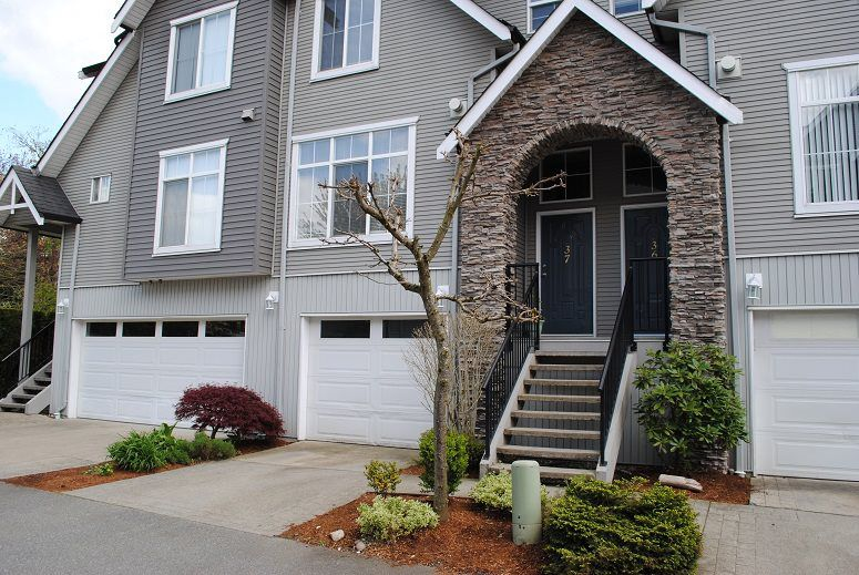 Main Photo: 37 8881 WALTERS STREET in Chilliwack: Chilliwack E Young-Yale Townhouse for sale : MLS®# R2160651