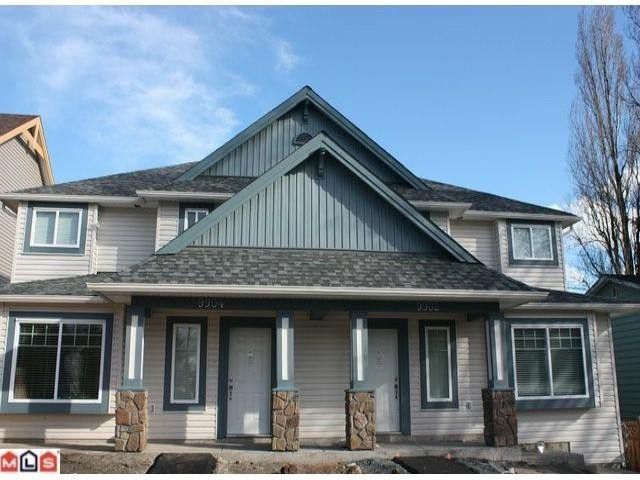 Main Photo: 9904 132 St in Surrey: House Duplex for sale : MLS®# F1104143