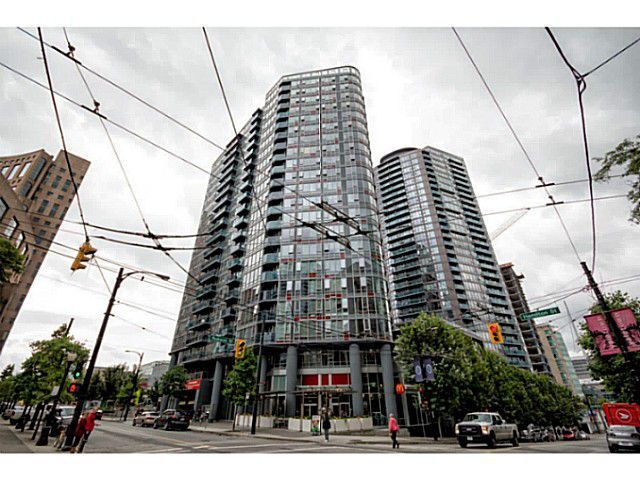 Main Photo: 1802 788 Hamilton Street in Vancouver: Downtown VW Condo for sale (Vancouver West)  : MLS®# V1013981