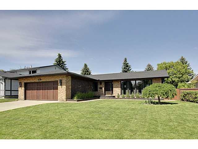 Main Photo: 2211 LAKE BONAVISTA Drive SE in CALGARY: Lk Bonavista Estates Residential Detached Single Family for sale (Calgary)  : MLS®# C3575324